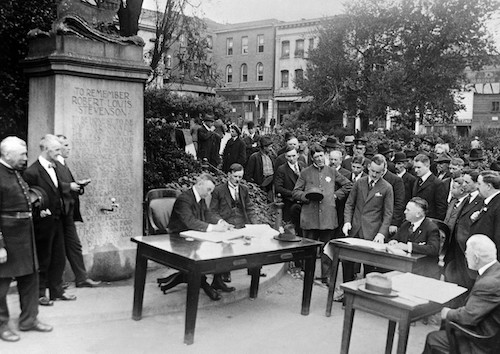 Court held outdoors during 1918 influenza but social distancing not practiced